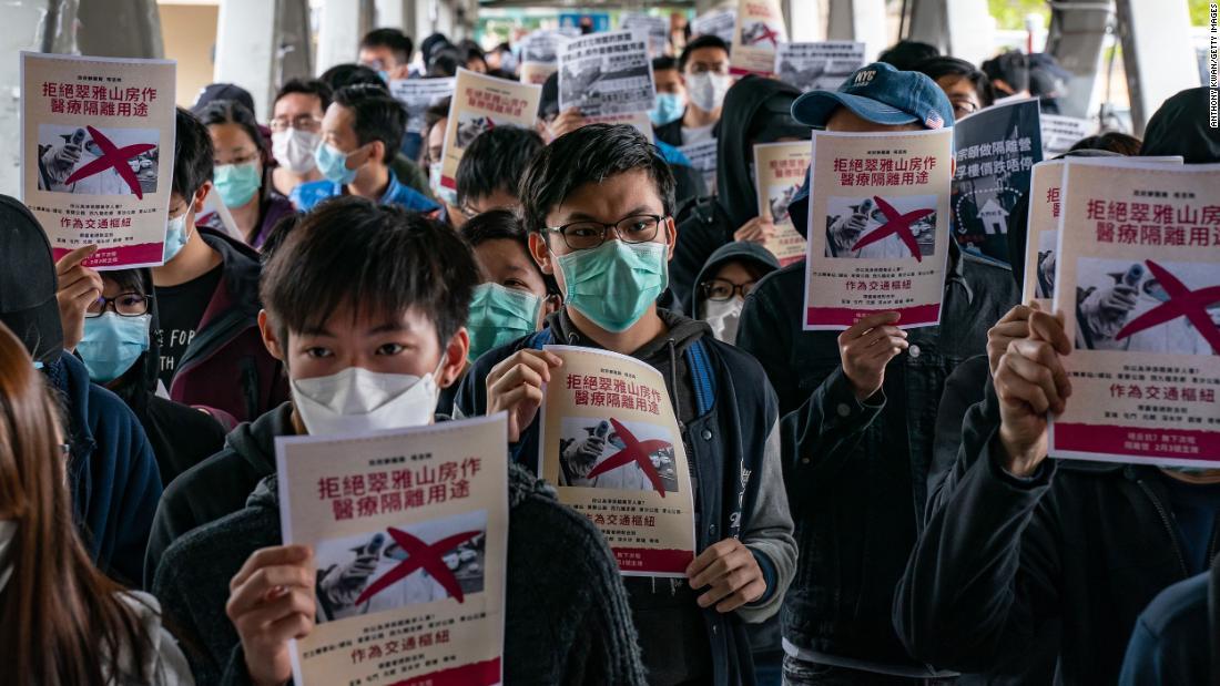 Coronavirus death toll in China overtakes SARS outbreak