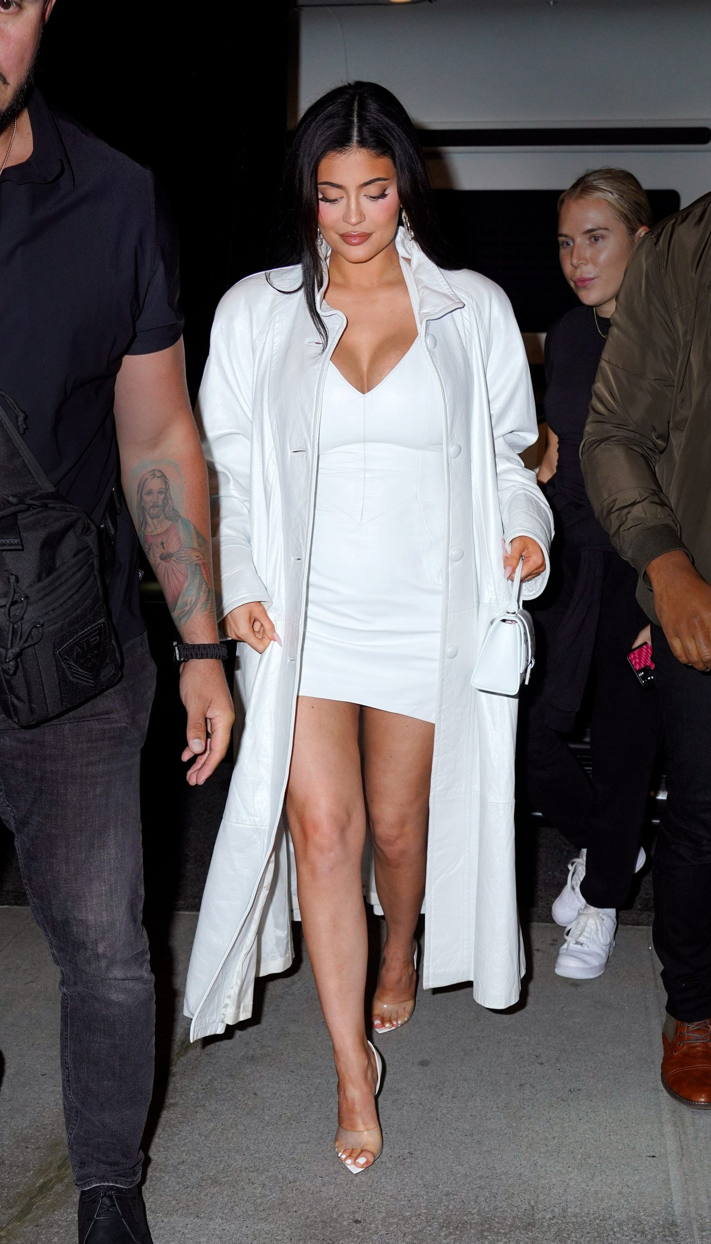 Kylie Jenner NYFW: Debuts Her Baby Bump At New York Fashion Week